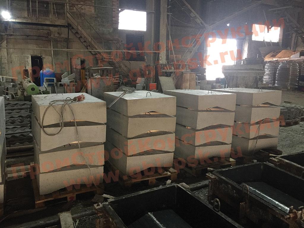Очередные отгрузки с участка производства блоков лотка и водоотводов серии 3.503.1-66