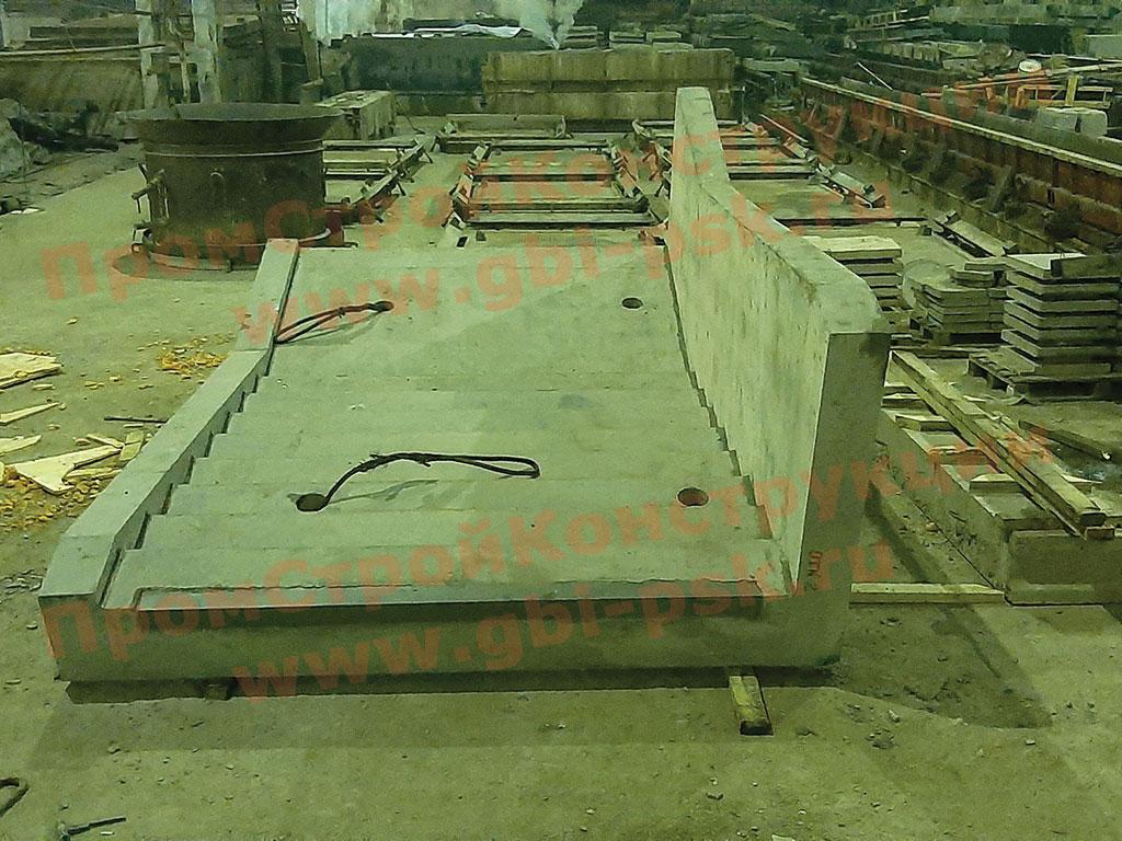Производство железобетонных косоуров и лестничных сходов нестандартных размеров и конструкций